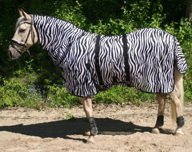 Hafer24 - Fliegendecke Weidedecke Milo mit Halsteil zebra